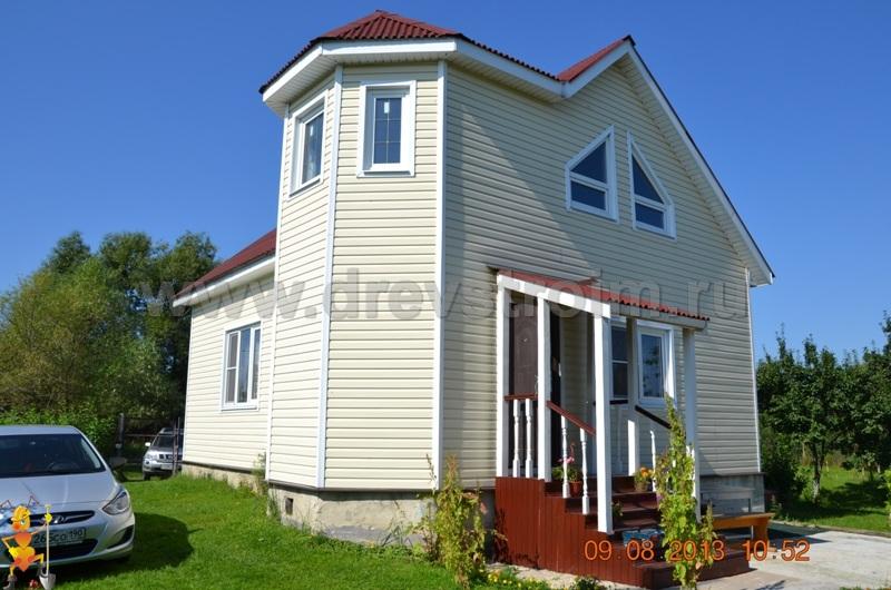 Компания «ДревСтроим» ведет строительство домов из бруса любой сложности уже более 15 лет. Мы строим на территории всей Московской области